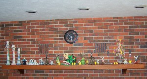 FIREPLACE MANTEL EASTER
