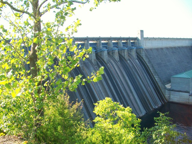 TABLE ROCK DAM FROM TOP AUG-